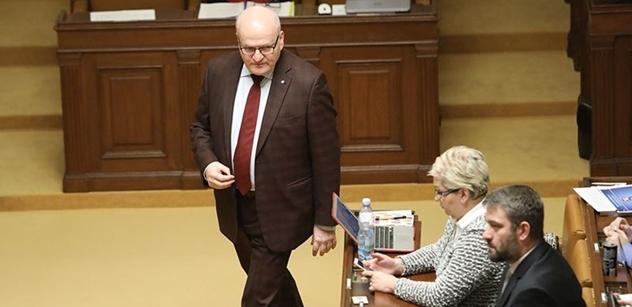 Exministr kultury Herman chce do Senátu. Může nahradit Jana Velebu