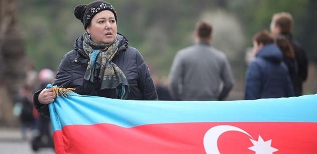 Horko už od Gorbačova. Přehledné shrnutí války o Náhorní Karabach, kterou opět sleduje celý svět
