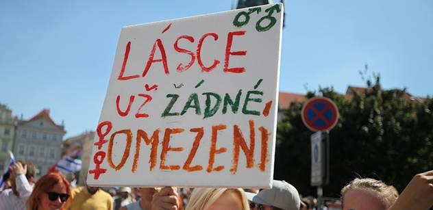 Tři gayové a lesba mají šanci na vítězství v TýTý, uvádí web pro sexuální menšiny. A přidává foto Václava Moravce