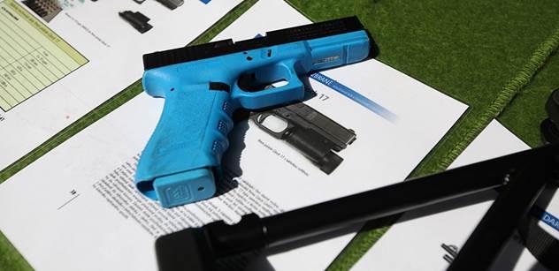 EU navrhuje, že zbrojní pas by měl být i na dětské pistolky, airsoft a paintball. Vědecký pracovník promlouvá o převratné směrnici EU o zbraních, jež má odzbrojit občany
