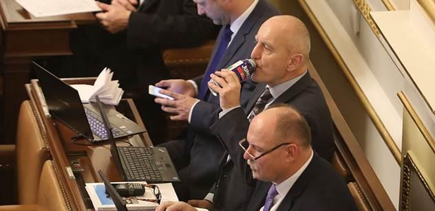 Standa Berkovec a doposud neznámé podrobnosti středeční sněmovny: Babiš chtěl s lidmi mluvit, oni řvali, že ho pověsí...