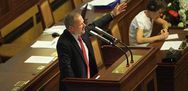 Fiala (ODS): A kde jste tehdy byli, vy kazatelé morálky? Mlčeli jste, protože to byl váš předseda