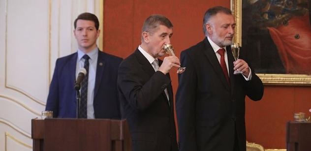 """S Okamurou ne, je proti EU, říká ANO. """"Vycukat,"""" zní v odpovědi. Promlouvá i rozpadlá ČSSD a Bělobrádek se naštval..."""