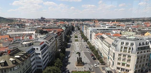 V Praze se ode dneška zpřísňují opatření proti šíření koronaviru