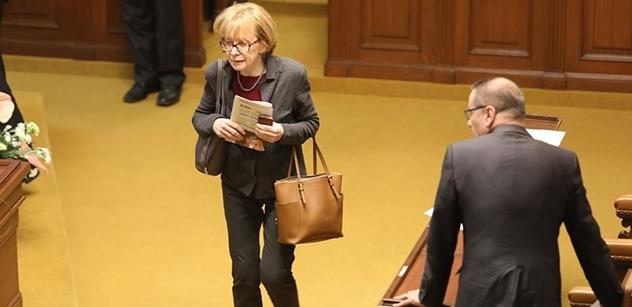 Válková ombudsmankou nebude. Chce se ale soudně bránit proti lžím, které se o ní šíří