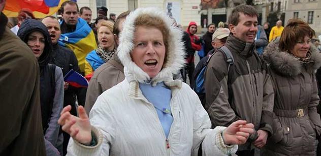 Na Ukrajině se stále bojuje. Kyjev hlásí dobytí Slavjanska a Kramatorska