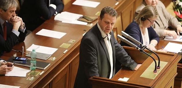 """Ondráček za zavřenými dveřmi řekl, proč nepodpořil vládu. Babišovy SMS i podraz před veřejností. """"A Filip o tom věděl!!"""" vykřikl náš zdroj"""