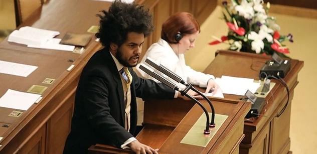 Feri jásá, že senátoři opsali návrh Langšádlové. A seřval přitom poslance ANO