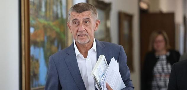 Soud: Babiš se má omluvit za výroky o zaplacených demonstrantech