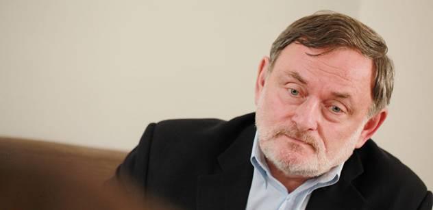 Možný budoucí zástupce ombudsmana předčítal z Kafkova Zámku
