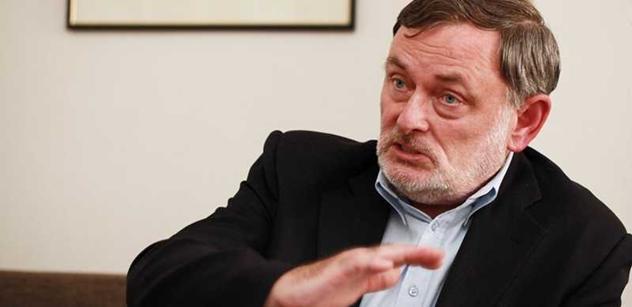 Ombudsman prozkoumá, jak se banky chovají k seniorům