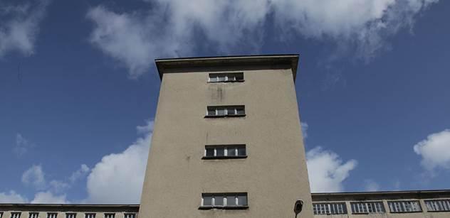 VIDEO z Berlína: Šup na pusu! Mladík v problémové čtvrti jen tak ze srandy skopl ženu ze schodů