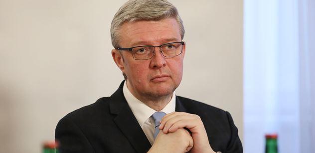 Ministr Havlíček navrhuje dopravcům odklad plateb za naftu