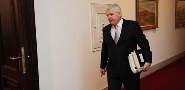 Rusnok předal Sobotkovi vládní agendu a klíč od korunovačních klenotů