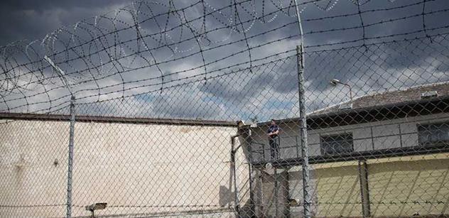 Vězeňská služba: Další návštěva redakční rady CDIS Review ve vazební věznici Pankrác