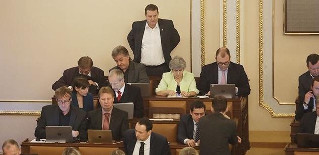 Petici proti Ondráčkovi, který se stal předsedou komise GIBS, začali dnes podepisovat lidé v Praze