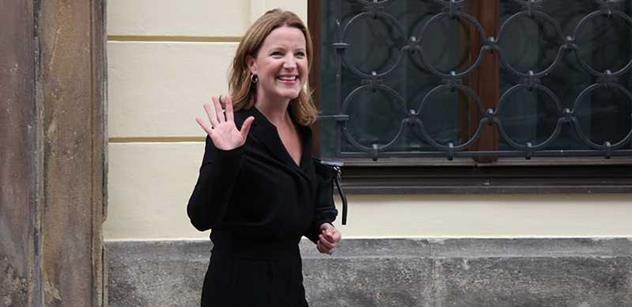 Karolína Peake se vrátí do politiky