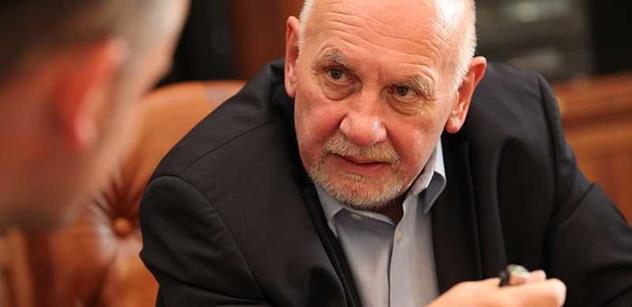 Ano, dejte Kajínkovi milost. Miloš Zeman dostal radu od právníka, na jehož názory hodně slyší