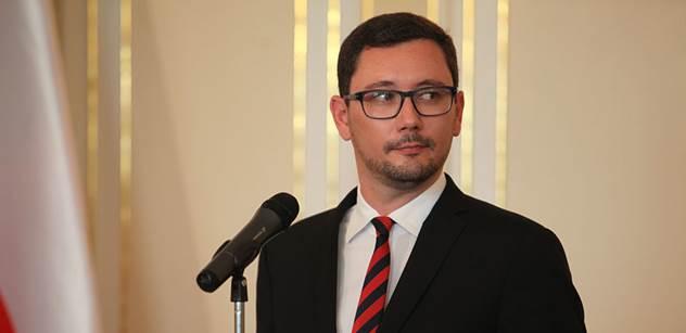 Židi ven! Jiří Ovčáček tentokrát naložil pražské kavárně skutečně zostra