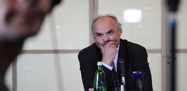 Ministr Staněk napsal ředitelům galerií, kteří se přimlouvali za Fajta. Sepsal všechny jeho průšvihy