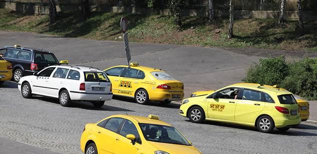 Soud zakázal Uberu provozovat v Brně taxislužbu. A Hollan z Žít Brno říká...