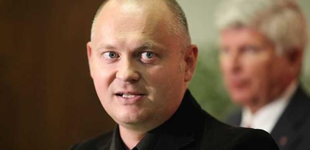 Michal Hašek: Hovada, běžte se zkonzultovat na ambasádu USA