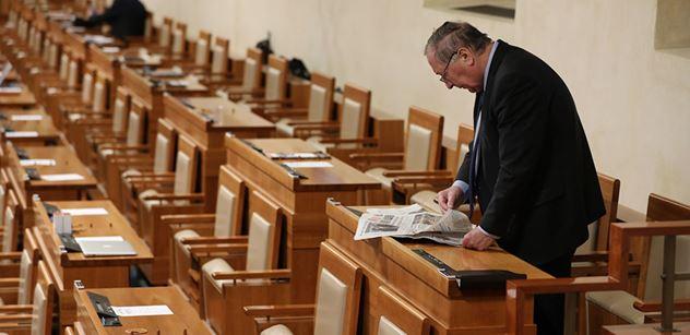 Senát, přehlídka tragických minorit. Už to zruště, zní po dalších ignorovaných volbách