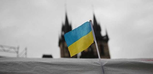 K pražským protiruským aktivistům se přidal Rus, co zažil ukrajinský Majdan. Viděl milice, jak mlátí lidi