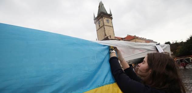 Ukrajinští radikálové zbili poslance. Ministr jim za to dal vážné varování