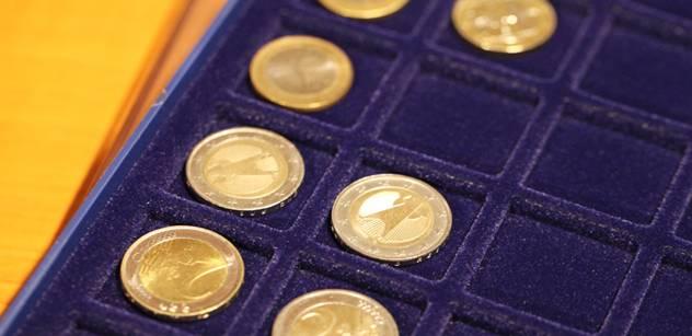 Cena zlata letí dolů. Podle knihy nám navíc mocní něco tají