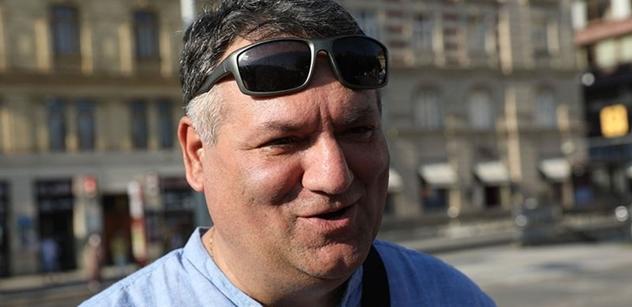 Cyril Koky, kandidát Pirátů: Soros pomáhá zlepšit svět. Nechat lidi topit v moři? Ne. Mezi Romy jsou i podnikatelé