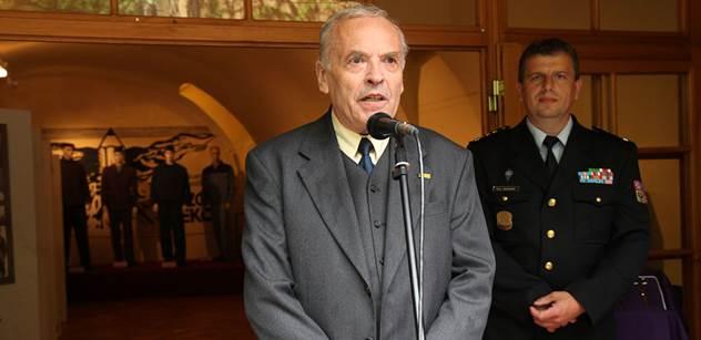 Kvůli této akci se prezident Zeman vrátí z dovolené. V Praze bude stát busta významného evropského státníka