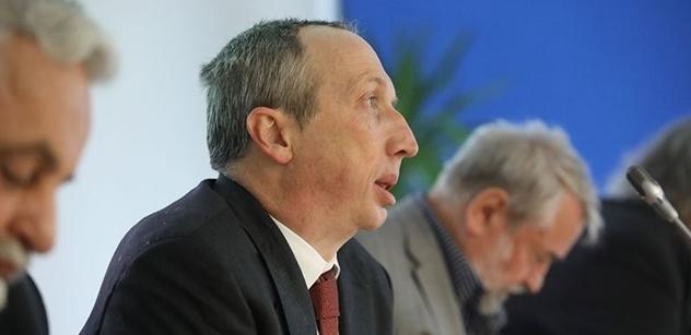 Klaus ml. udeřil proti ČT. A není sám: Nad televizí stále visí velká hrozba