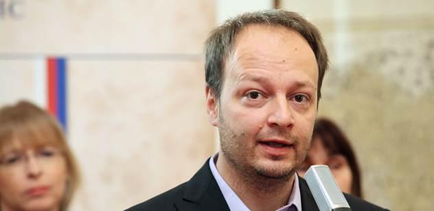 """Svržení Zemana: Nepozval Schwarzenberga, má špatné názory o Ukrajině, stojí v """"obžalobě"""""""