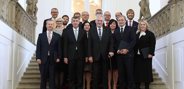 Babiš dnes uvedl do úřadu zbývající čtyři ministry své vlády