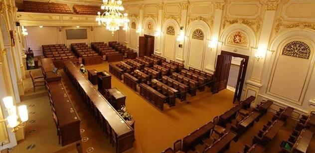 Ivan Přikryl: Proč si poslanci z imunitního výboru hrají na soud?