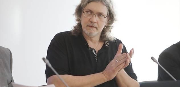 Co dělal ve studiu Dienstbier? Petr Žantovský nevěřil vlastním očím, co předvedla ČT kolem zprávy o vydání Babiše