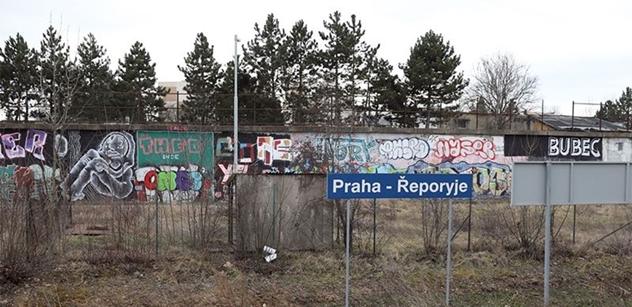 """FOTO """"Hodně se tu š*ká!"""" Zavítali jsme do pražských Řeporyjí, kterým vládne """"extrémní starosta"""" Novotný"""