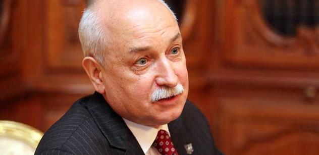 Ruský velvyslanec v Česku: Válka nebude, úvahy na toto téma jsou nemorální. Zemana si vážíme