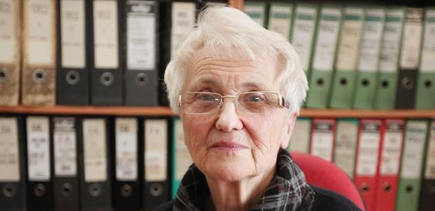 Grebeníčka z okna. Sestra Mašínů o nových hrdinech v zemi prolezlé bolševiky