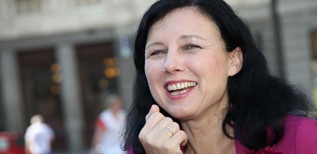Nezávislost justice v Polsku? Mám v ruce soudní rozhodnutí, že je to věc i EU, tvrdí Jourová