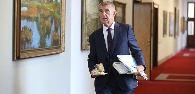 Vladimír Ustyanovič: Úpal z horka politologa Fialy aneb proletáři všech stran spojte se proti Babišovi