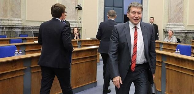 Kauza lithium po volbách utichla. Co k ní řekl ministr Hüner? Budete se divit