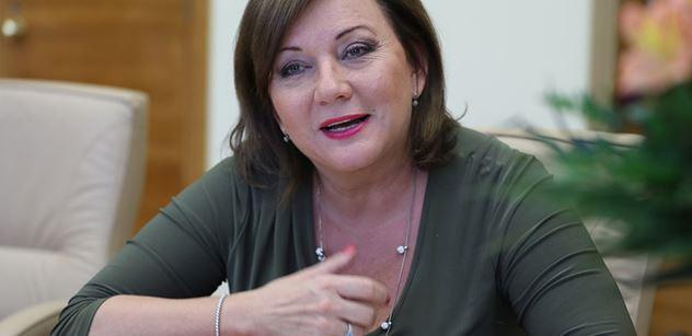 Ministryně Schillerová: Novinářská etika je stále vzácnější zboží