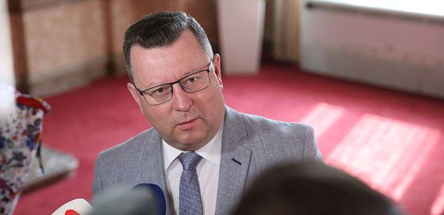 Bitka v ČSSD: Začal exministr Staněk. A přidal se kandidát na ministra Šmarda, i s obrázkem
