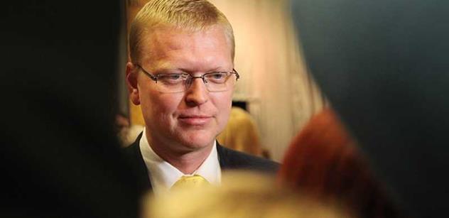 Bělobrádek dostal dotaz ohledně střílení raket na Moraváky. Takto čtenáři odpověděl