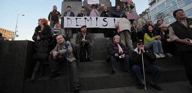 Poslanec Babák k protivládním protestům: Ohrožujete demokracii