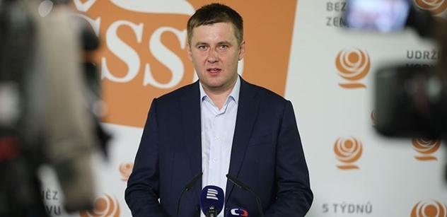 Svobodu ohrožují populisté, extremisté a odklon od základních hodnot, míní Petříček