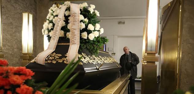 Šéf krematoria: Spustili jsme druhou pec, stejně nestíháme. Mohou pomoct Němci, neměli by problém. Nechci paniku, ale Flegr měl pravdu