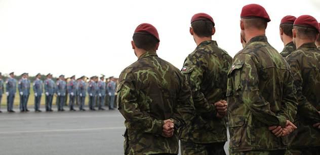 Český voják, který byl těžce zraněn v Afghánistánu, je zpět v Česku